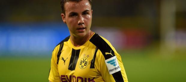 Mario Gotze recovering in Munich as Borussia Dortmund confirm he ... - mirror.co.uk