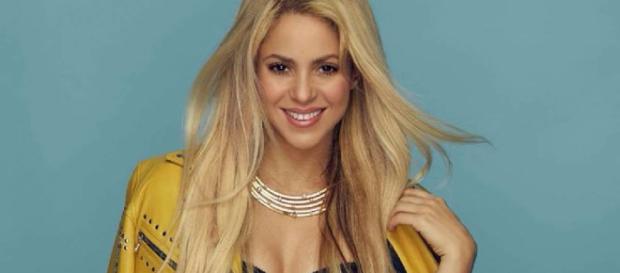 Shakira confiesa a la BCC que aplazó su gira de 2017 por una una lesión vascular