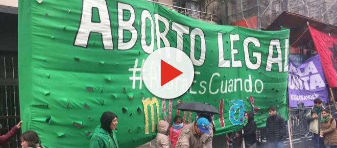 ARGENTINA/ Deputados aprovam projeto de descriminalização do aborto