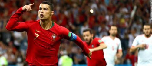 Ronaldo se convirtió en el jugador con más edad, en meter 3 goles en un partido de Copa del Mundo. -marca.com.