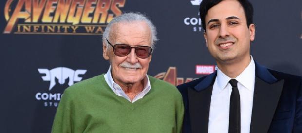Stan Lee solicitó una orden de restricción a su representante por tomar ventaja de su edad