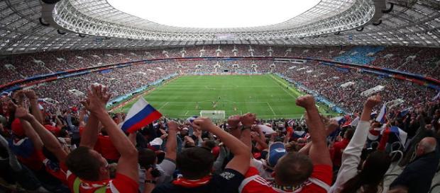Torcida russa faz a festa em Moscou na partida de abertura da Copa 2018 - Foto: Reprodução / Facebook Oficial FIFA World Cup