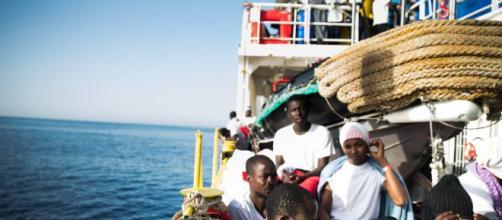 Barco Aquarius: ¿Tiene derecho Italia a cerrar sus puertos a los ... - elpais.com