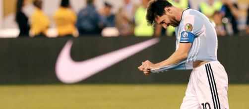 Messi falla ante Islandia penal