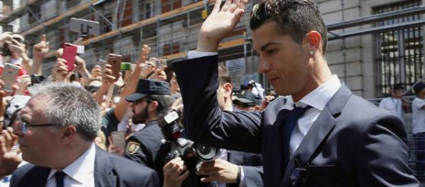 Cristiano Ronaldo acepta haber cometido fraude fiscal