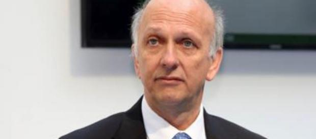Marco Bussetti, neo-ministro dell'Istruzione starebbe lavorando a un Decreto legge per risolvere il problema dei diplomati magistrale.