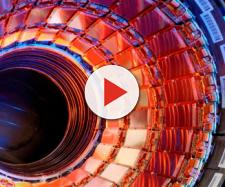 Interno dell'Lhc, il più grande acceleratore di particelle del Cern.