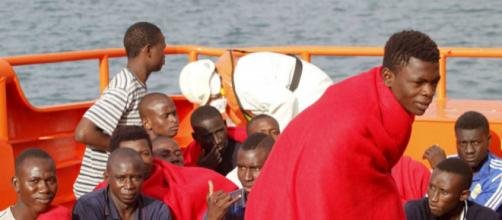 Las llegadas de inmigrantes irregulares suben un 16,7% en España ... - elpais.com