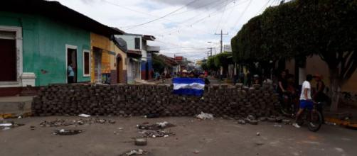 Violencia deja escenarios de guerra en Nicaragua. - com.ni