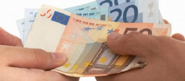 Busta paga in contanti vietata dal primo luglio 2018