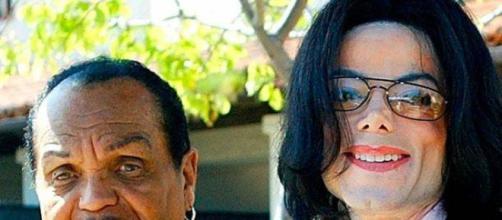 Fallece el padre de Michael Jackson a causa de un cáncer de páncreas