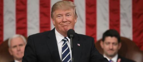 Le président Trump est à nouveau dans la tourmente.