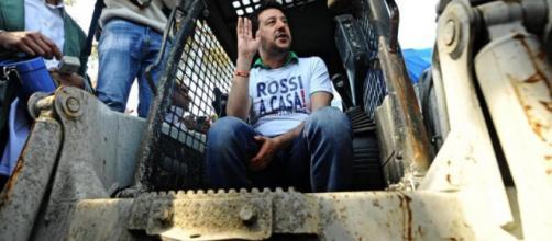 Questione rom in Italia: Salvini sulla ruspa