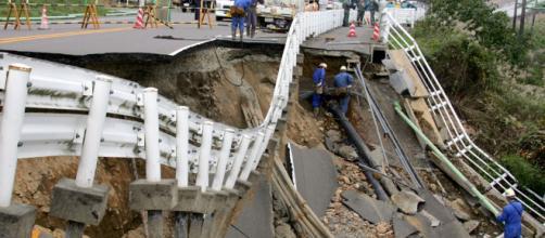 JAPÓN/ Fuerte terremoto deja varias personas muertas y heridas