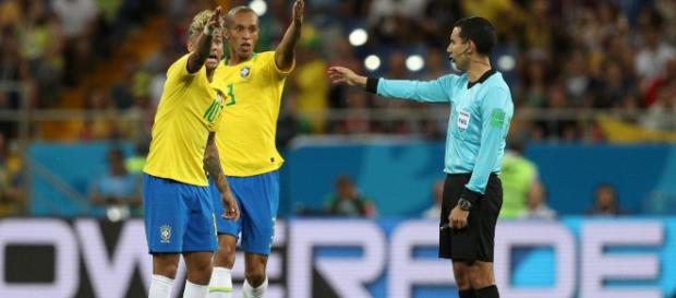 Seleção: 'Se tivesse me jogado, assinalava o empurrão', diz ... - com.br