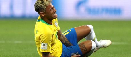 Neymar está lesionado de uno de sus pies