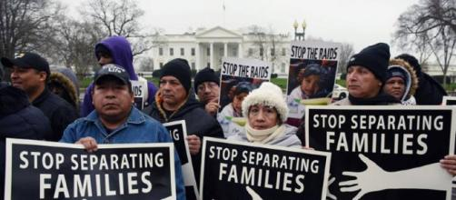 Activistas denuncian el drama de la separación familiar en la ... - latinxtoday.com