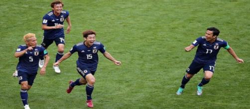 Japoneses comemoram gol em vitória contra a Colômbia - Foto: Reprodução / Facebook Oficial Fifa World Cup