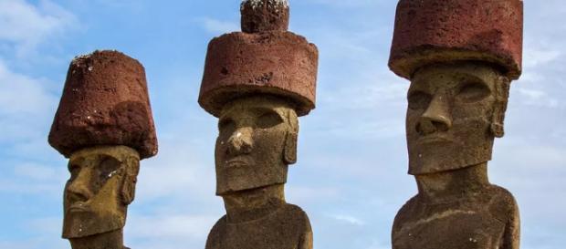 Descubren que los pukao fueron colocados sobre los Moai por medio de cuerdas