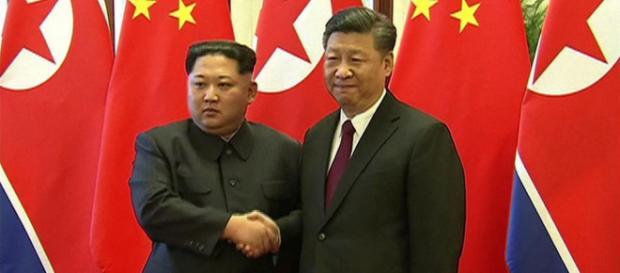Kim Jong-Un a entamé sa troisième rencontre avec Xi Jinping depuis fin Mars.