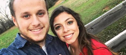 PICS] See 'Counting On' Star Josiah Duggar With Lauren Swanson social network