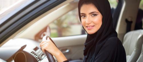 In Arabia Saudita dieci donne ottengono il diritto alla patente.