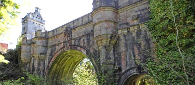 Scozia, il mistero dell'Overtoun Bridge di Milton   thesun.co.uk