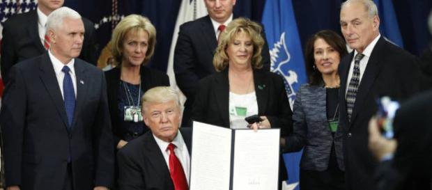 Trump impone nuevos aranceles a siderúrgicas mexicanas
