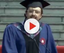Cina, il discorso di laurea esilarante di Carlo Dragonetti.