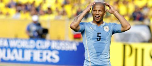 Carlos Sánchez é titular da seleção uruguaia