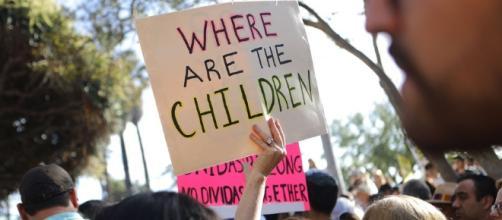Estados Unidos muestra un centro de detención de hijos de ilegales