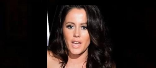 'Teen Mom 2' Jenelle Evans gets visit from cops. [Image source: Aban News YouTube]