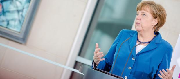 Angela Merkel beim Girls'Day-Auftakt der Initiative D21 2015