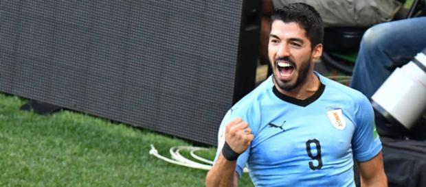 Luis Suárez completou 100 jogos com a camisa uruguaia. AFP PHOTO / JOE KLAMAR