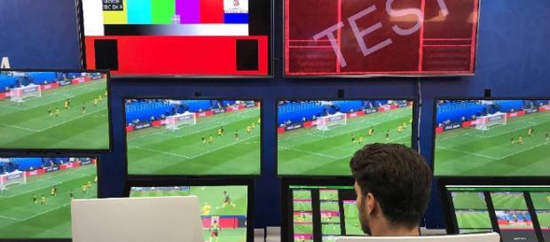 Sala do VAR da Copa do Mundo de 2018, em Moscou (Imagem: Julio Gomes/UOL)