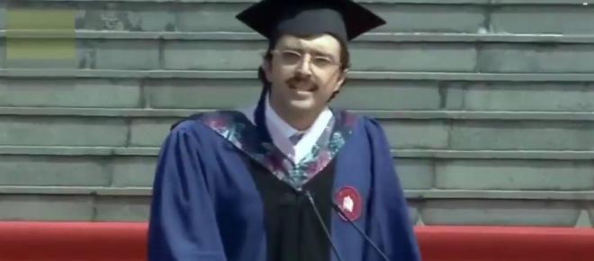 Cina, Carlo Dragonetti: lo studente italiano che ha reso esilarante il discorso di laurea