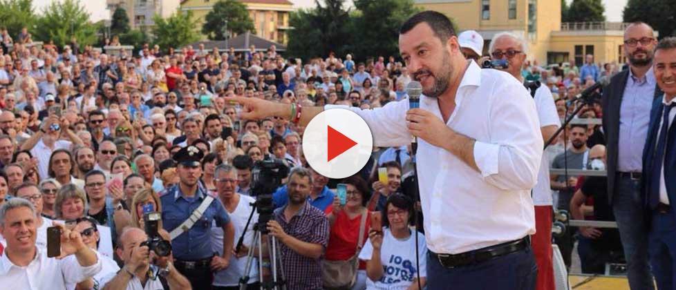 Migranti e Rom, così Salvini ha superato Di Maio e M5S
