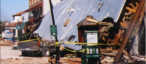 Earthquake damage in San Simeon, California, in 2003 (Image courtesy – Hey Paul, Wikimedia Commons)