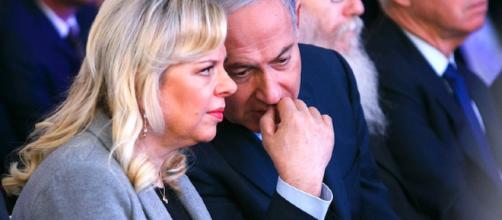 La esposa de Netanyahu es acusada de fraude y abuso de confianza