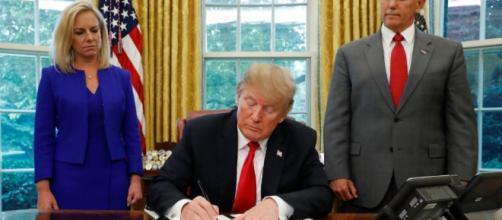 Trump firma un decreto para dejar de separar a las familias