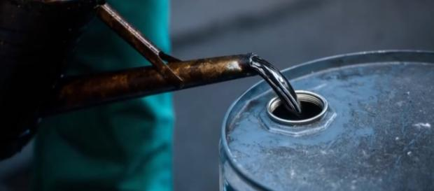 An estimated 300,000 U.S. barrels of crude could be halted. [Image source: Bloomberg Video - YouTube]
