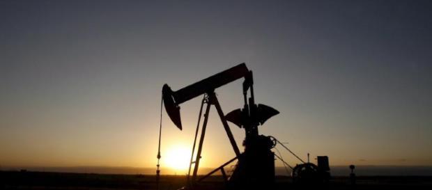 Opec: trovato l'accordo su aumento della produzione di Petrolio