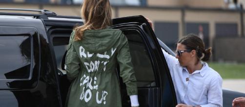 El enigmático mensaje de la chaqueta de Melania Trump en su viaje a Texas