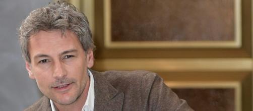 Roberto Farnesi: il volto delle fiction tornerà in tv ne Il Paradiso delle Signore