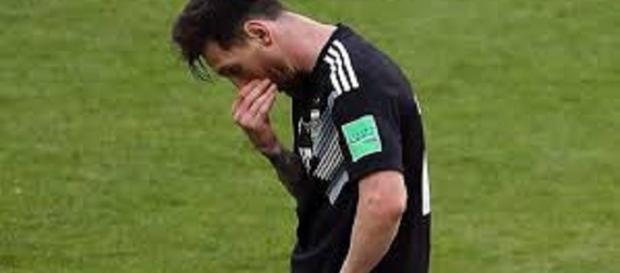 El astro argentino no ha podido destellar con la selección nacional y estan al filo del abismo y la eliminación