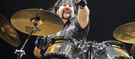 Muere Vinnie Abbott, baterista y fundador de Pantera - Diario La ... - laprensa.hn