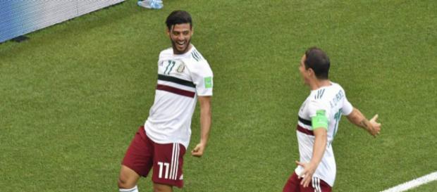México derrota a Corea del Sur, con goles de Chicharito y Carlos Vela
