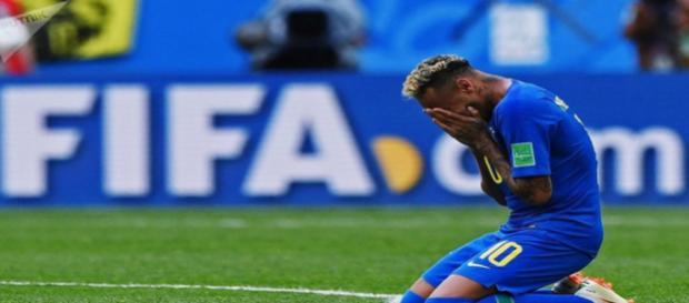 Neymar se emocionou em vitória do Brasil