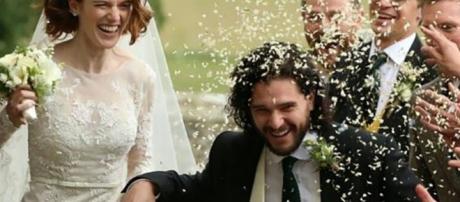 """Los actores de """"Juego de Tronos"""", Kit y Rose, se casaron en Escocia"""