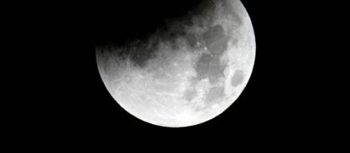 Eclissi di Luna: quando osservarla in Italia | Radio Deejay - deejay.it